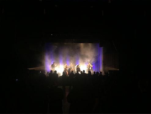 concert llum lila mics bcn
